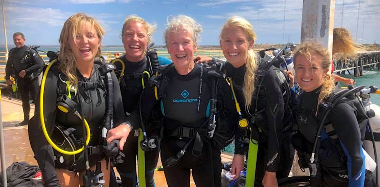 Dive Ningaloo - First Scuba dive at Exmouth Navy Pier