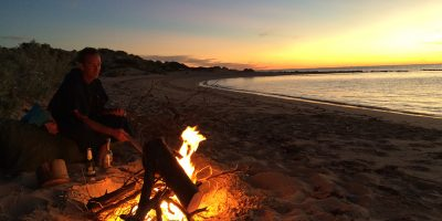 Dive Ningaloo - Dave tending to campfire