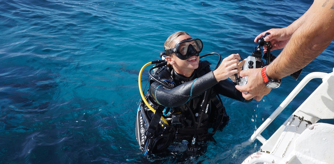 Dive Ningaloo - Underwater Photo Specialty